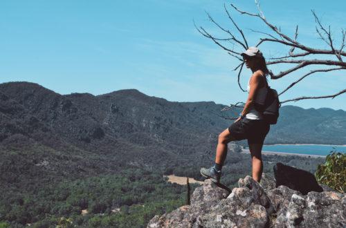 La liberté ressentie en haut d'une montagne